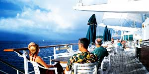 Avoya Advantage Exclusive – $100 Free Onboard Credit PLUS Tahiti Airfare and Hotel Packages!