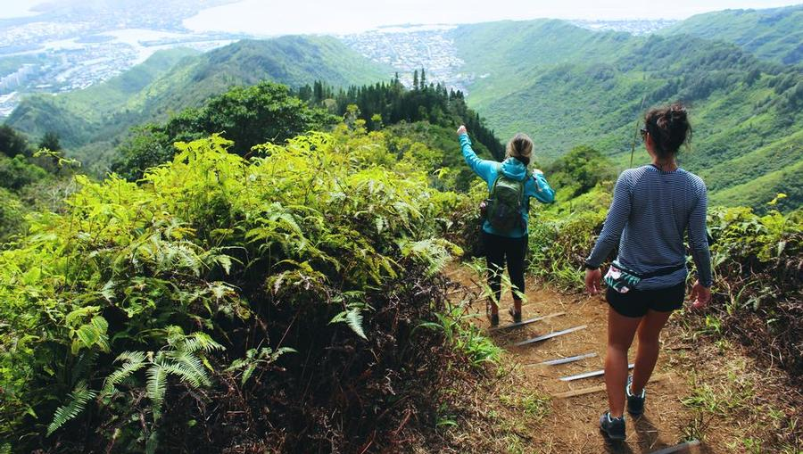 Oahu, Hawaii hiking trails and stunning view
